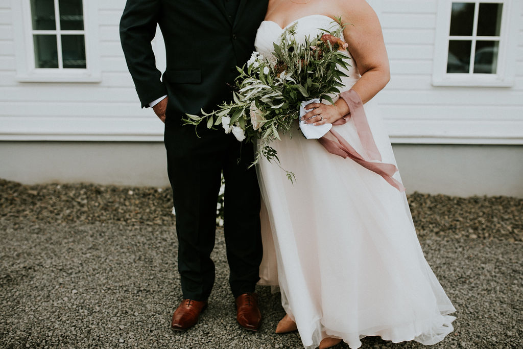 Oswego Hills Vineyard & Winery Wedding| Hazelwood Photo | Peachy Keen Coordination