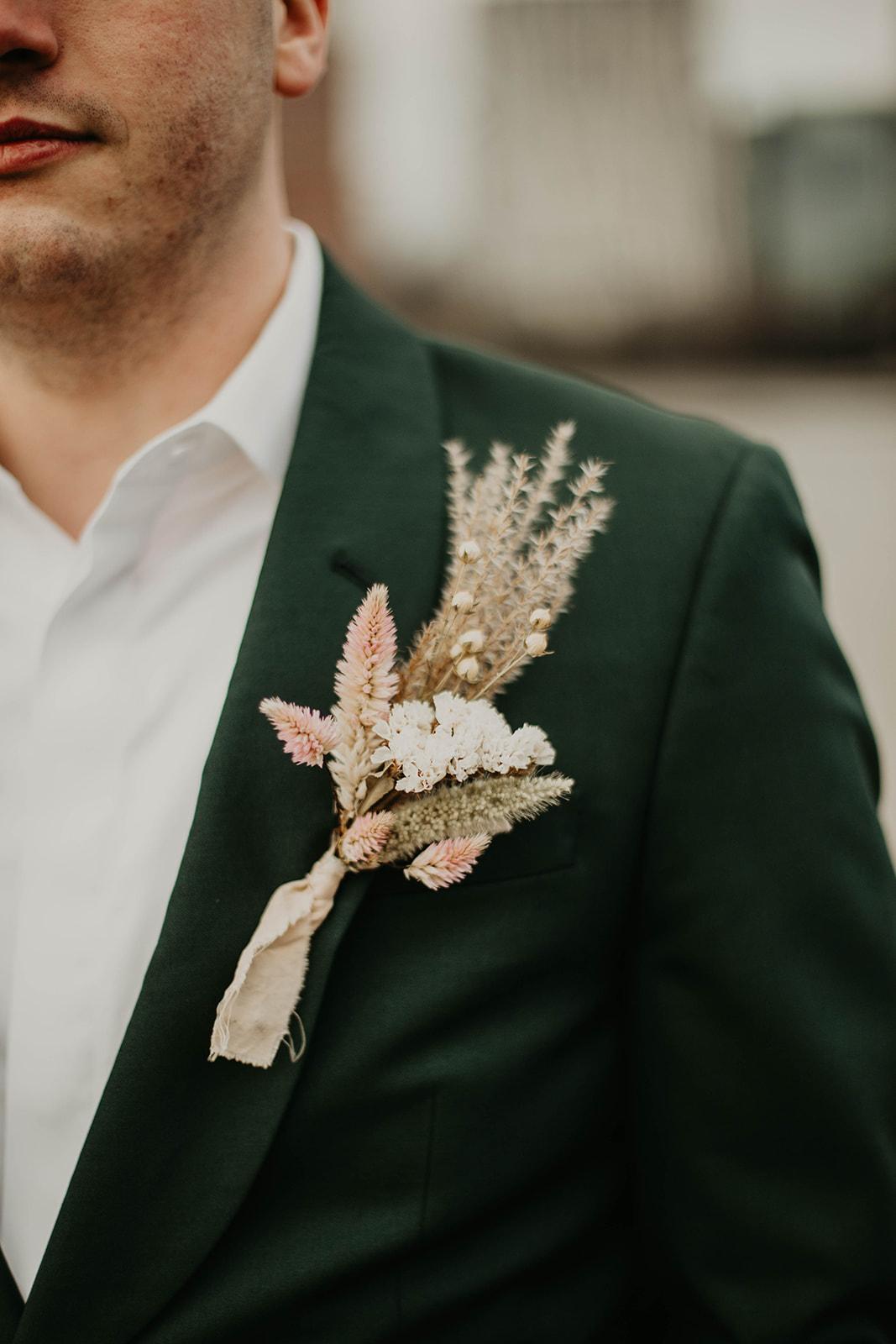 queer elopement portland | Peachy Keen Coordination | Jamie Carle Photo